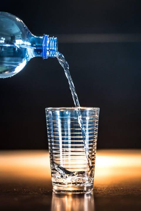 弱碱性矿泉水有哪些矿泉水的酸碱性质